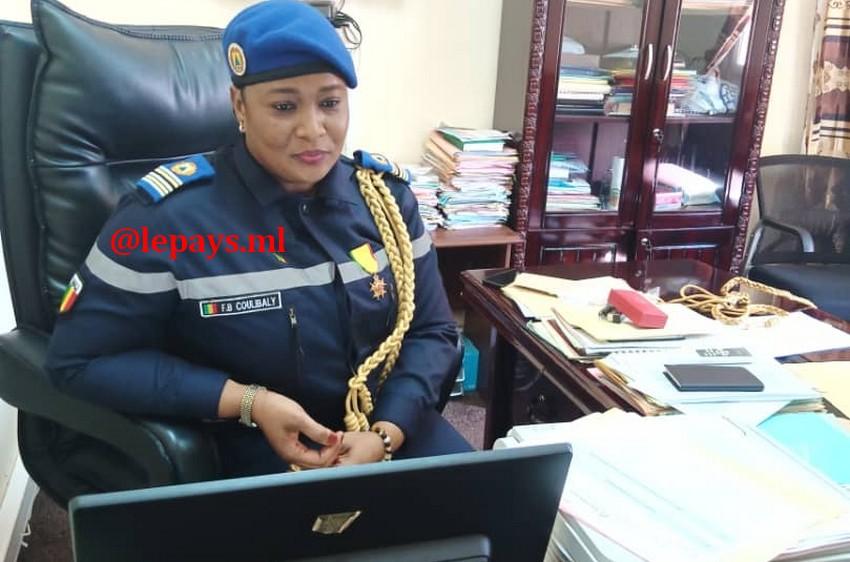 Protection Civile du Mali : Le lieutenant-colonel Sapeur-pompier Fatoumata B. Coulibaly élevée au grade de Chevalier de l'Ordre national